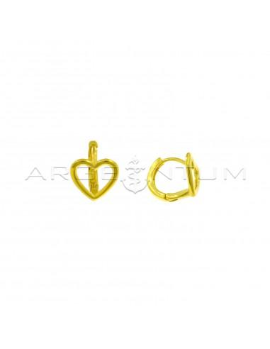 Orecchini cerchio a canna quadrata con sagoma cuore e chiusura a scattino placcati oro giallo in argento 925